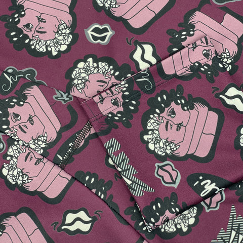 the kiss inspired pattern printed on sustainable fabric - leggings