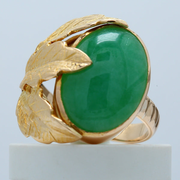 Vintage Men's Oval Jade Ring with Leaf Floral Motif in 14k Yellow Gold - 1477 Jewelers