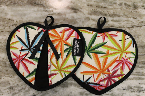 """Cannabis Leaf"" Oven Mitts"