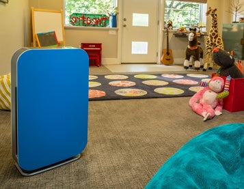 Alen BreatheSmart FLEX Air Purifier in a children's room