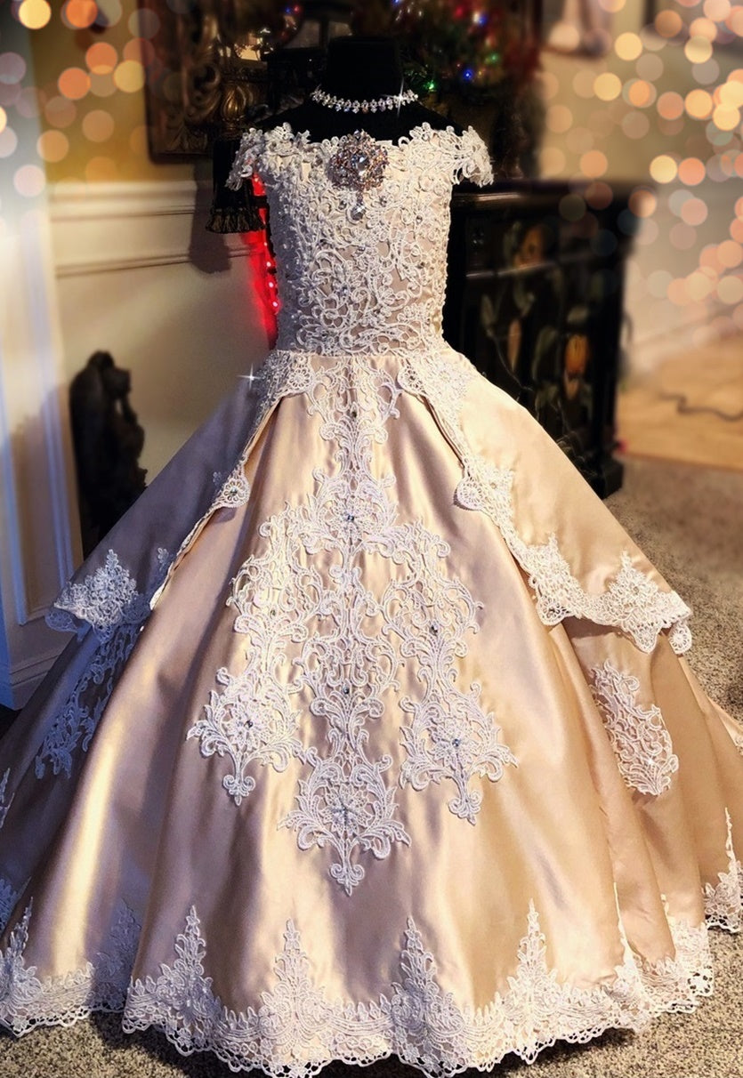 """Poetic Promises""... An Enchaning Formal Ballgown"
