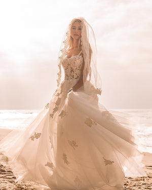 BELLA LACE GOWN Thumbnail - Lurelly