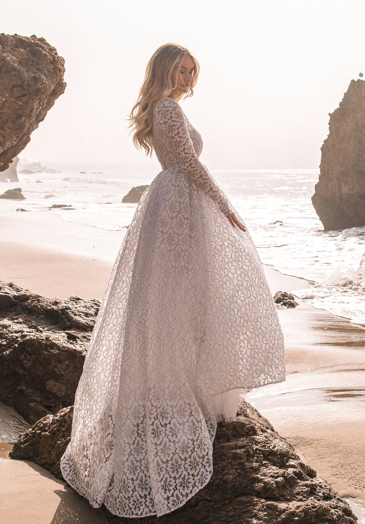 DAISY LACE GOWN - Lurelly