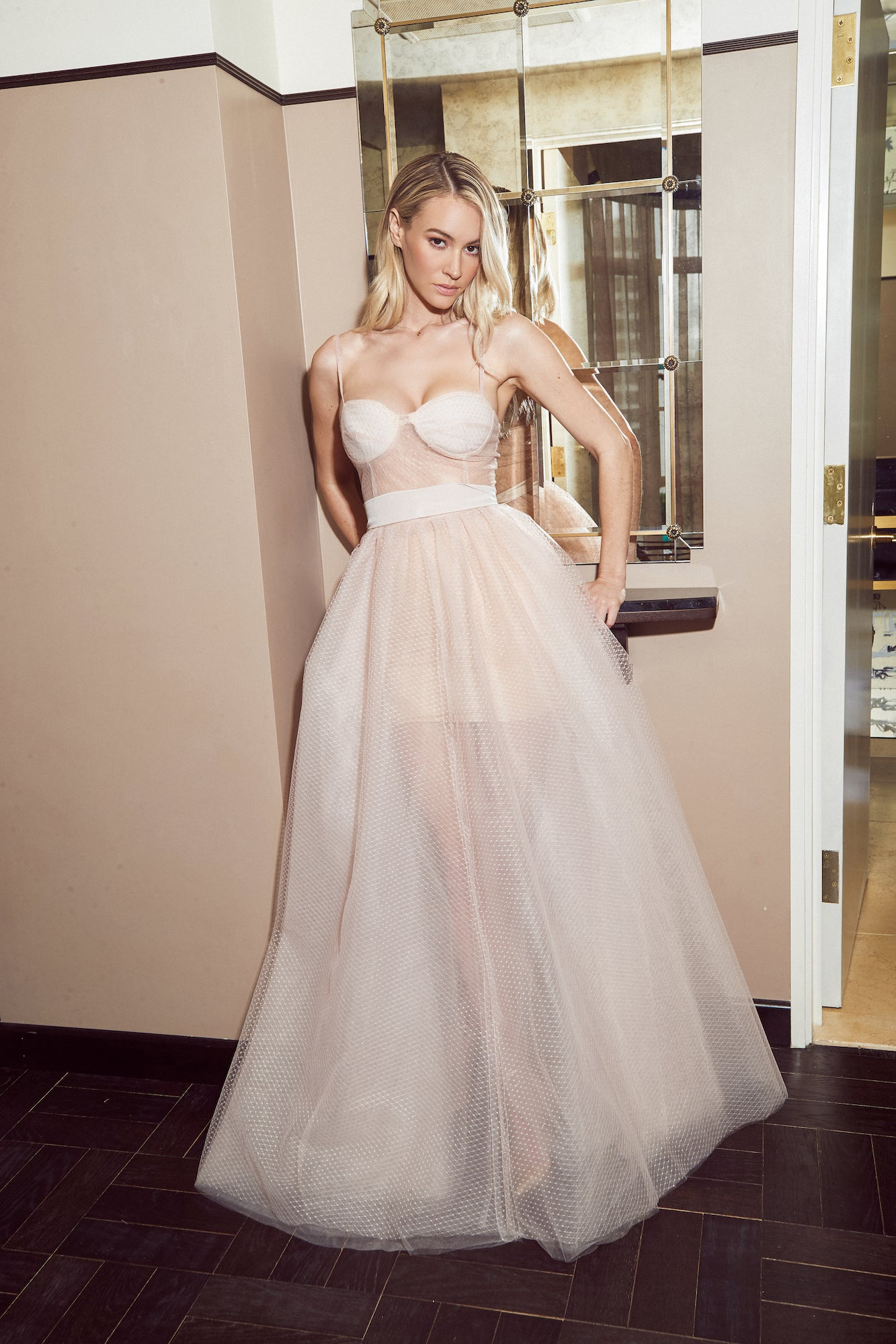 CINDY SWEETHEART GOWN