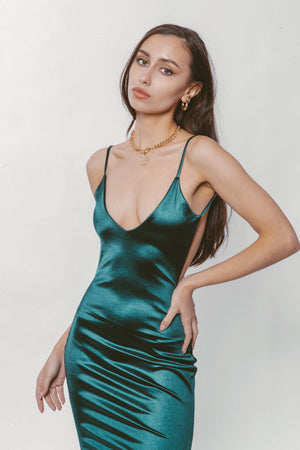 EMERALD BACKLESS GOWN Thumbnail - Lurelly