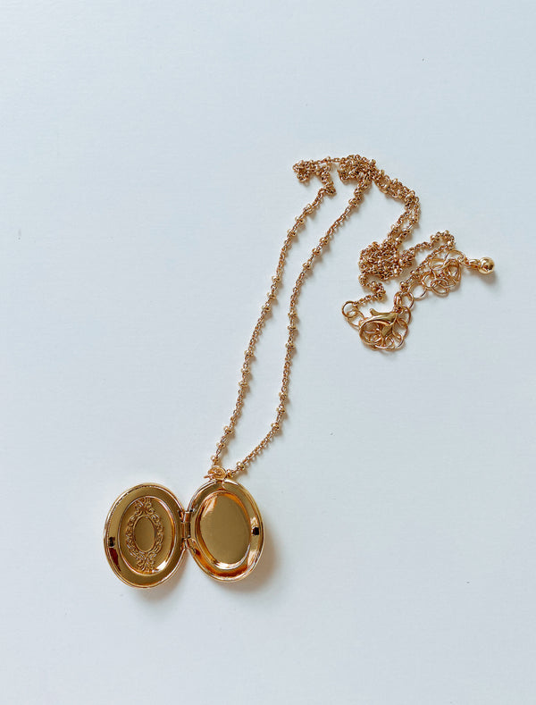LOVE LOCKET NECKLACE SALE - Lurelly