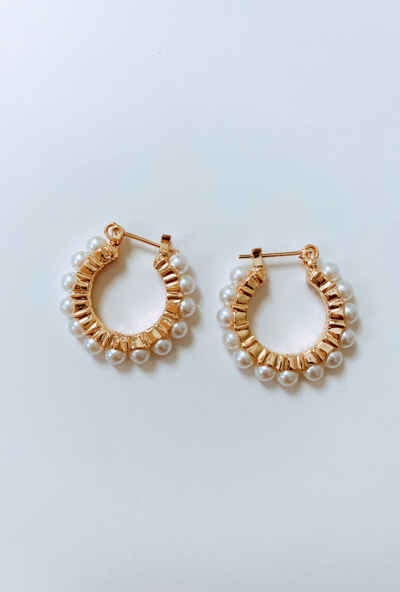 PEARLY HOOPS EARRINGS SALE - Lurelly