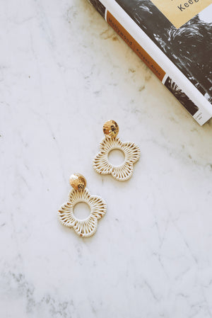 DAISY DROP EARRINGS Thumbnail - Lurelly