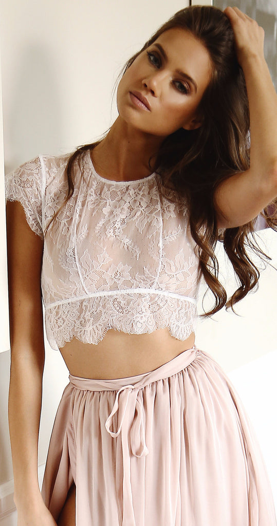 ROSE LACE CROP TOP
