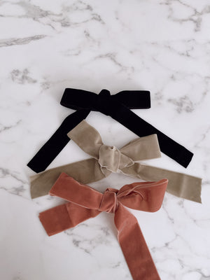 LURELLY BLACK VELVET BOW BARRETTE Thumbnail - Lurelly