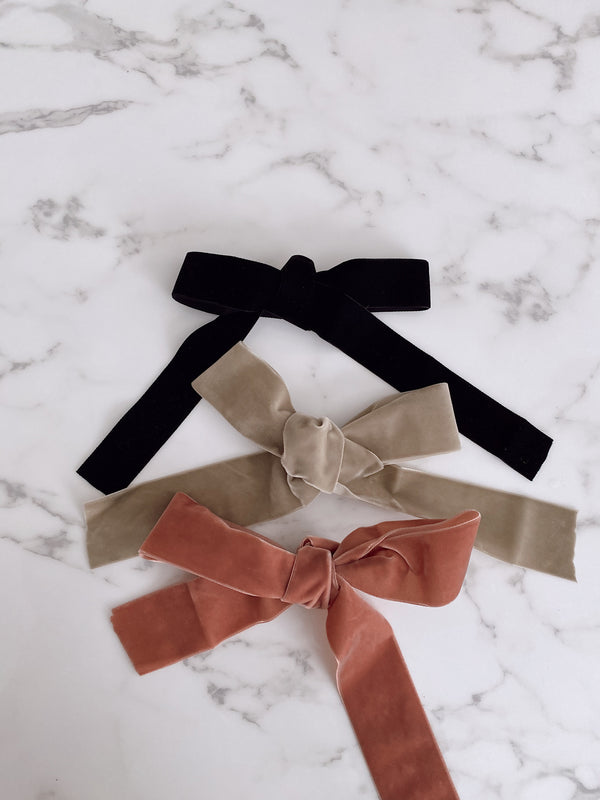 LURELLY BLACK VELVET BOW BARRETTE - Lurelly