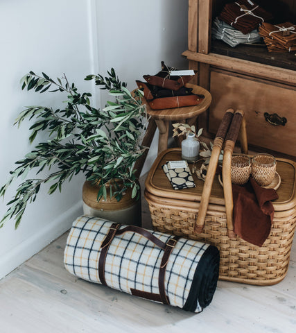 Heirloom picnic blanket and set