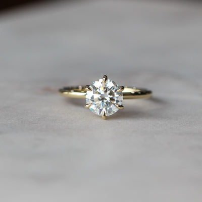 SOPHIE MOISSANITE / SOLITAIRE RING