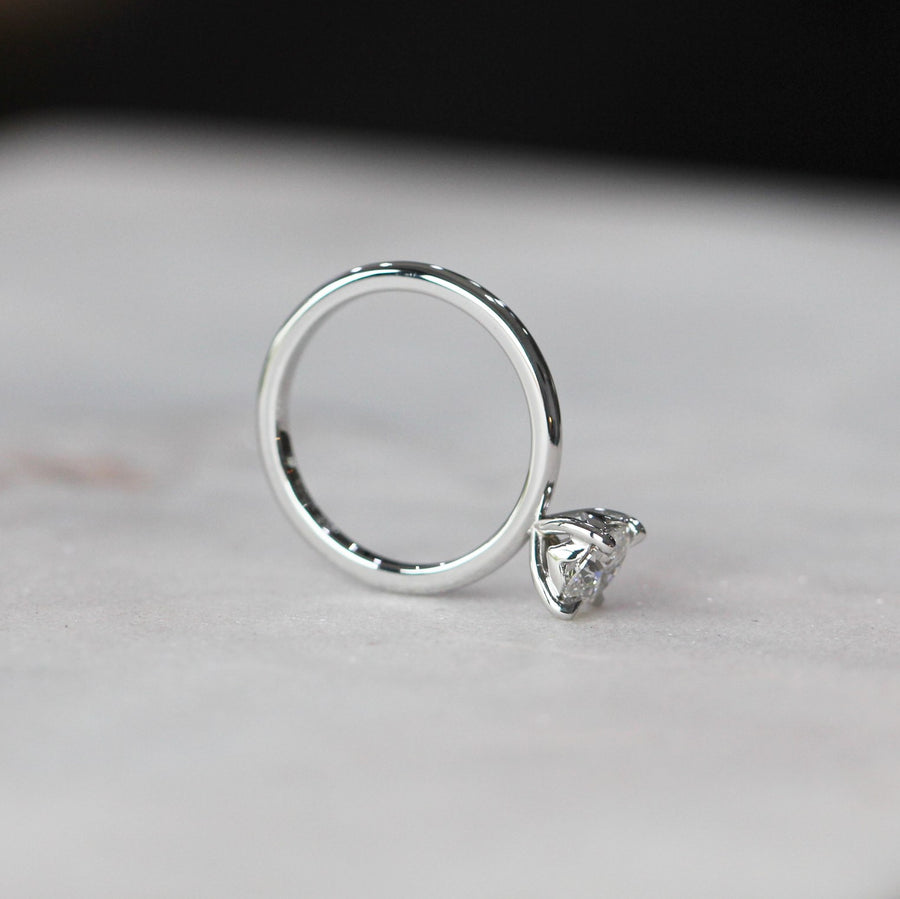 ROSIE / SOLITAIRE RING