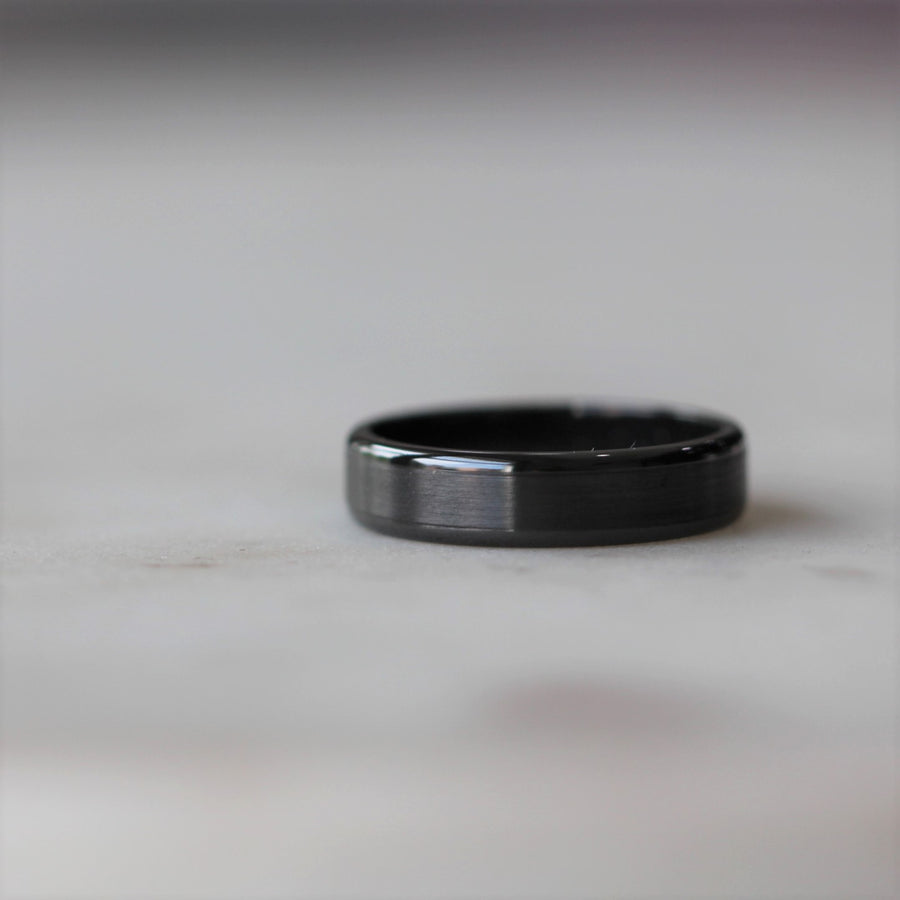ZIRCONIUM / WEDDING BAND