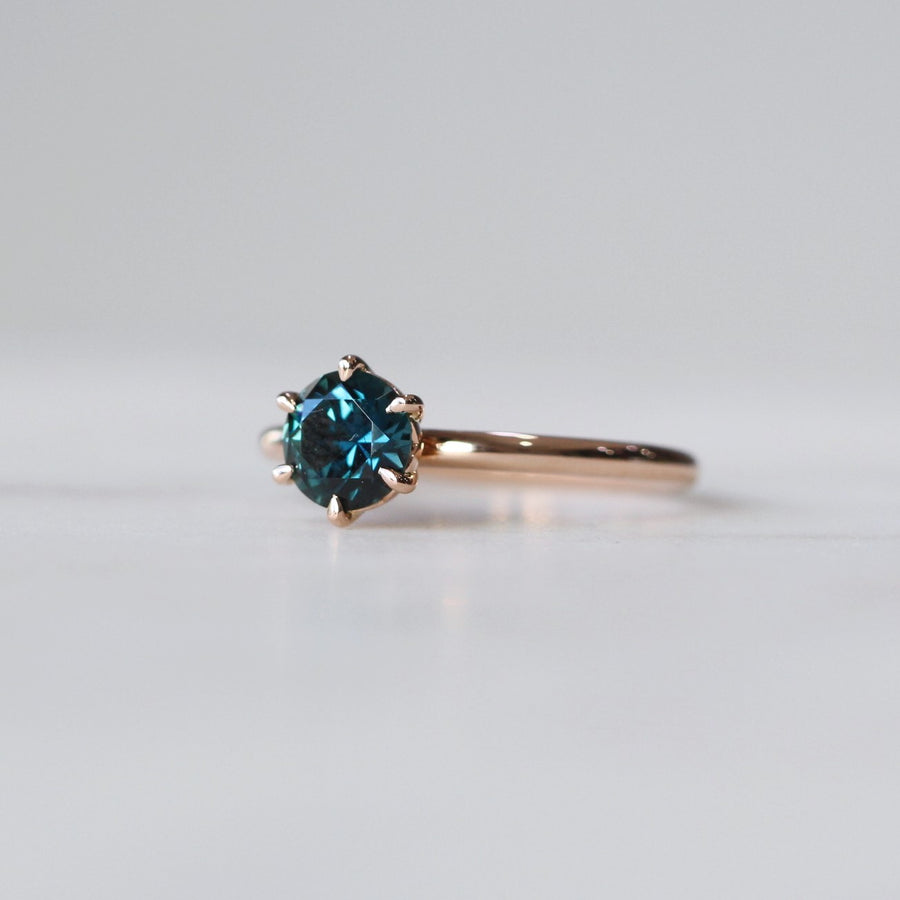 ROUND / SAPPHIRE SOLITAIRE RING