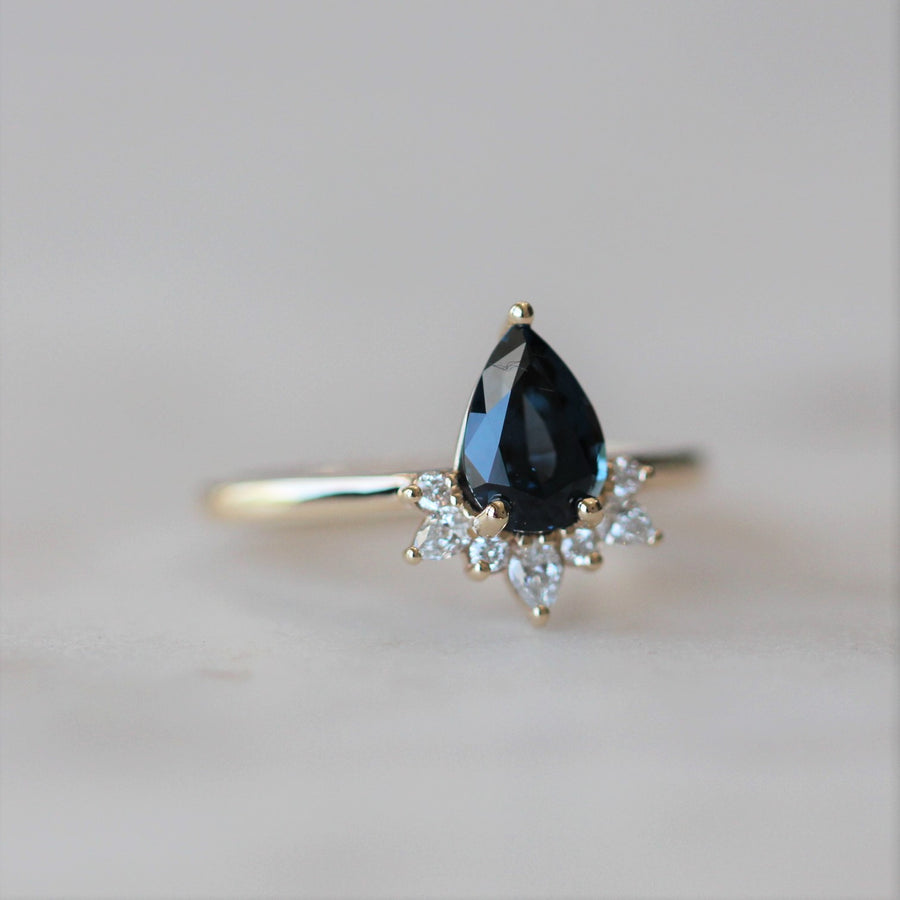 BLUE / SPINEL HALF HALO RING