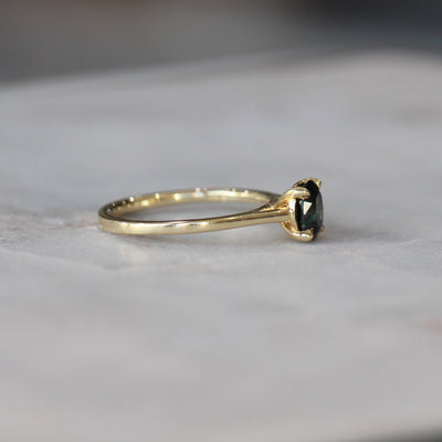 OVAL SPINEL RING