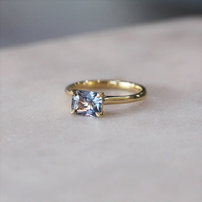 EAST WEST / GREY SPINEL RING