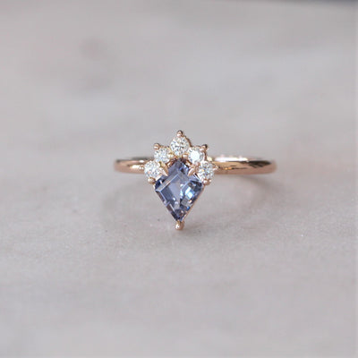 KITE / HALF HALO SPINEL RING