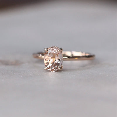 ALEX / OVAL MORGANITE RING