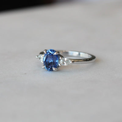CEYLON / TRILOGY RING