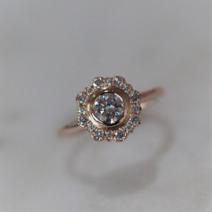 ELYSE / VINTAGE HALO RING