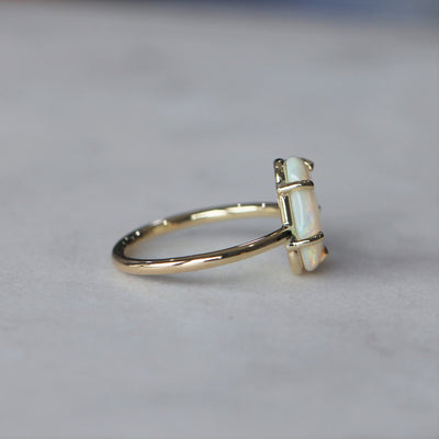 OPAL / FREE FORM RING FOUR