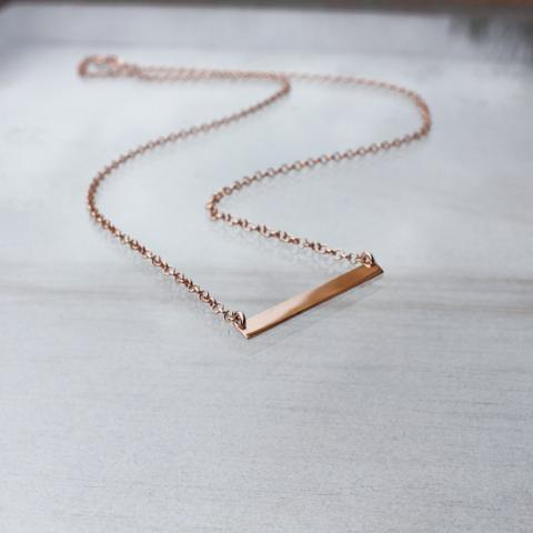 GOLD BAR / NECKLACE