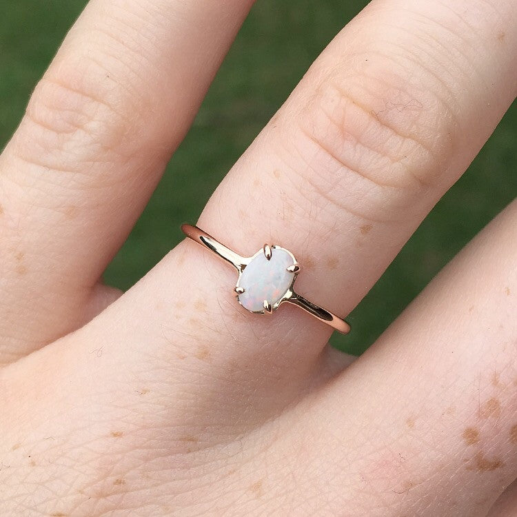 OPAL RING / MINI CLAW