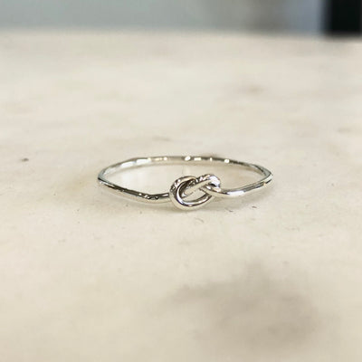 KNOT / RING