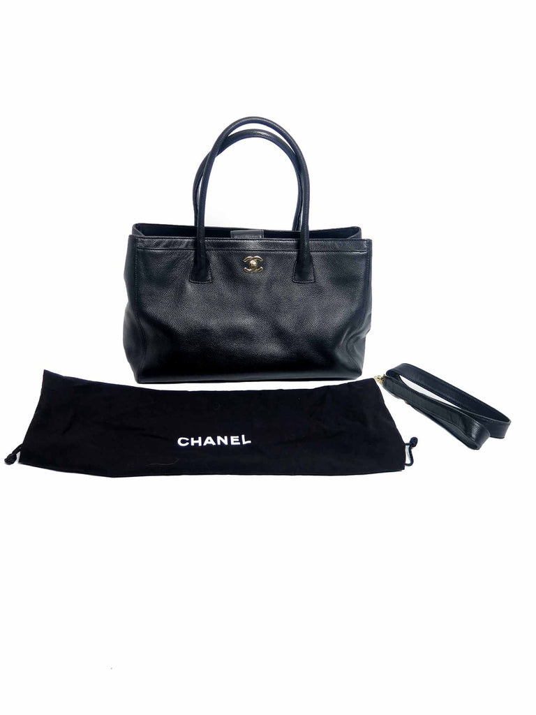 08b1929f1faf Pre-owned Chanel Cerf Tote