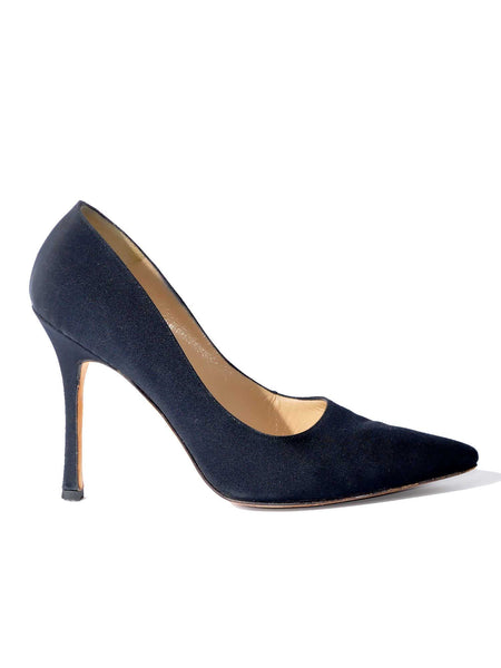 Manolo Blahnik BB Crepe Pointed Toe Pumps