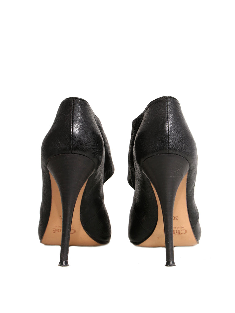 Chloé Round-Toe Leather Pumps