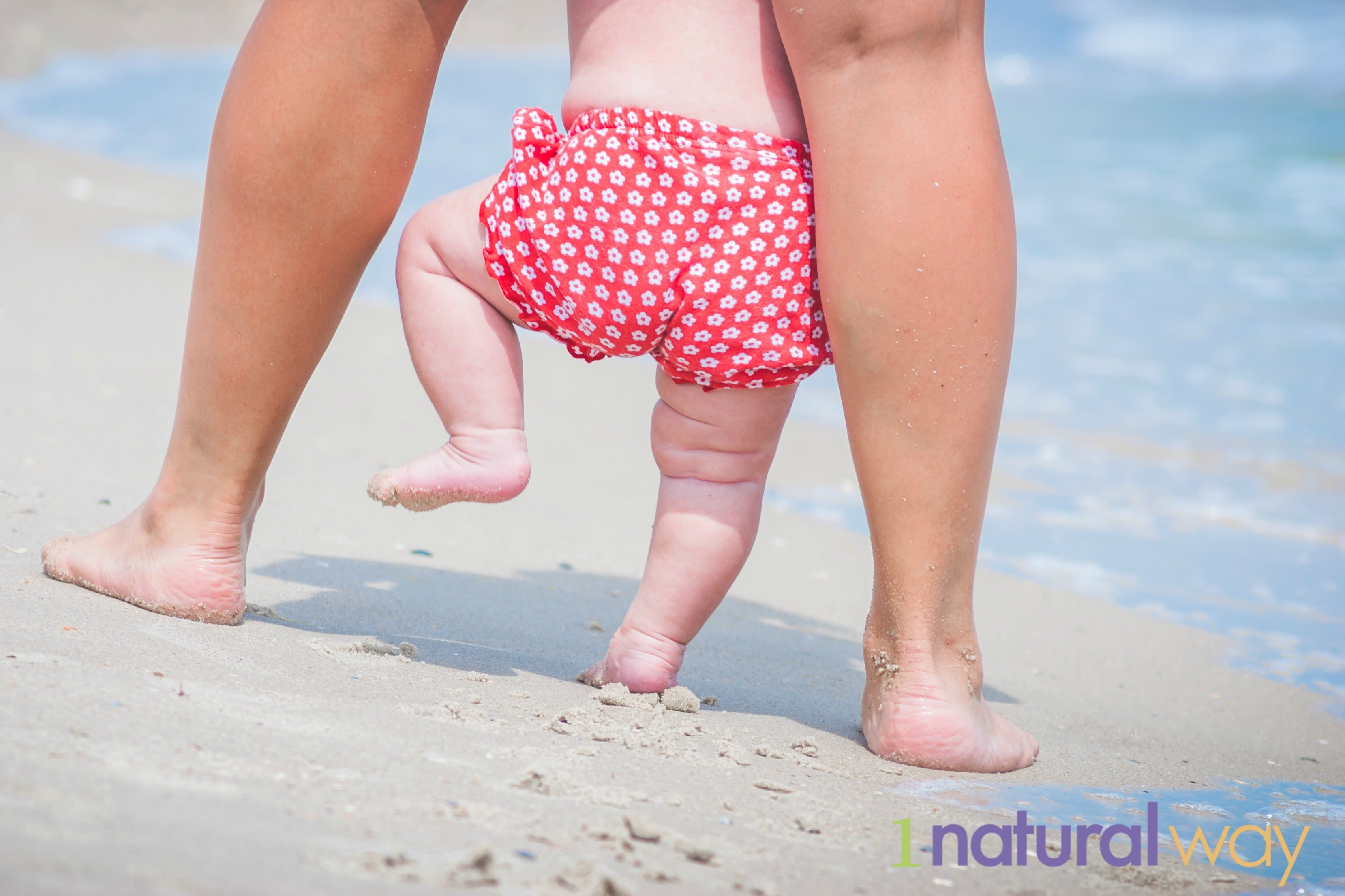 1 Natural Way - Baby feet on the beach