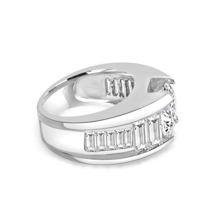 3CT Round Diamond Veneer Cubic Zirconia Graduating baguettes Shank Sterling Silver Ring. 635R71282