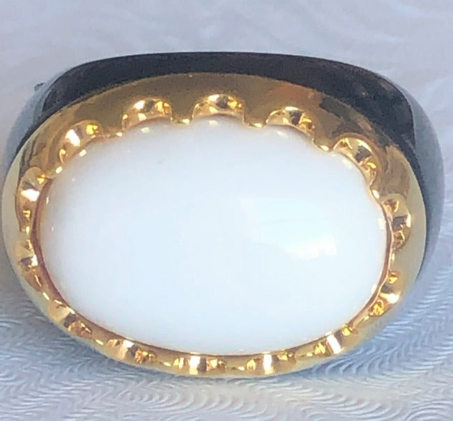 Fine resin Crafted w/Crown framed Oval  Cabochon new Ring. 501R9w184