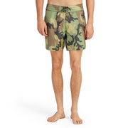310BoardShorts_MENS_BOARDSHORTS-CLASSIC_CAMO_MA3310-036 On Model Front View