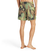 310BoardShorts_MENS_BOARDSHORTS-CLASSIC_CAMO_MA3310-036 On Model Back View