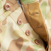 SurfStretchTacShorts_MENS_SHORTS_FROGSKINCAMO_MA4007 Close Up Button Detail