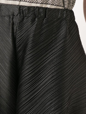 CROSS GRAIN SHORTS
