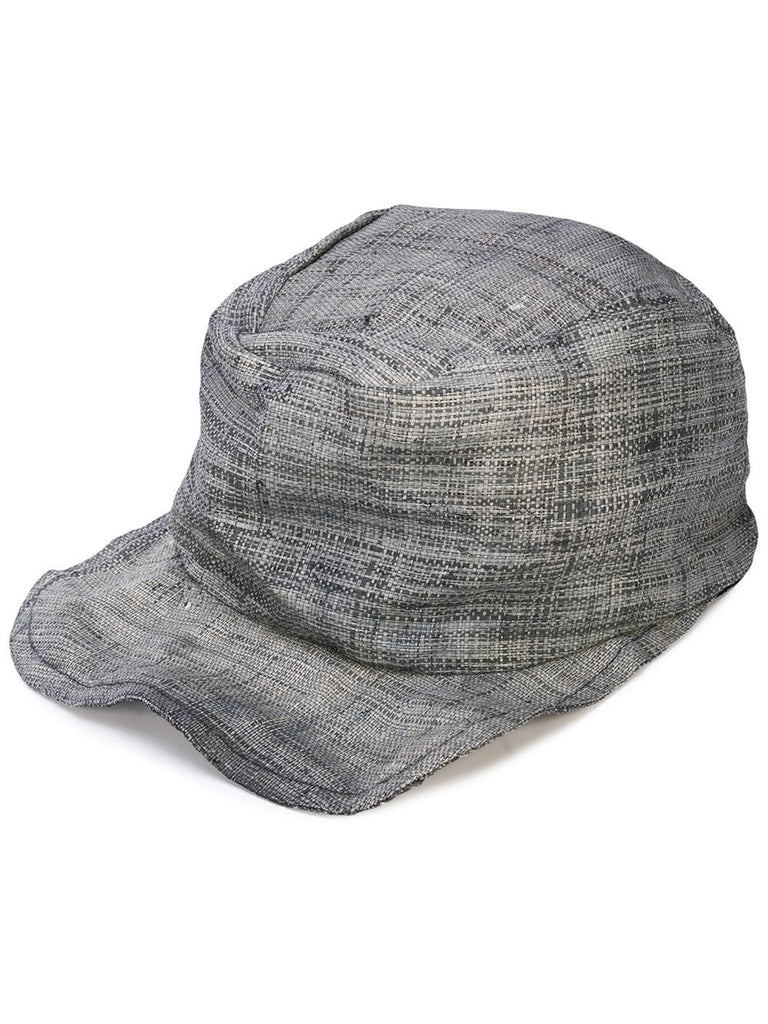 CAP WITH UNSTRUCTURED BRIM