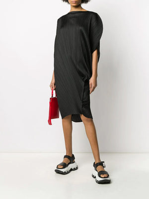 BLACK MED LENGTH ROUND DRESS