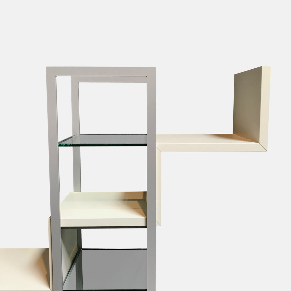 Maila Shelving Unit