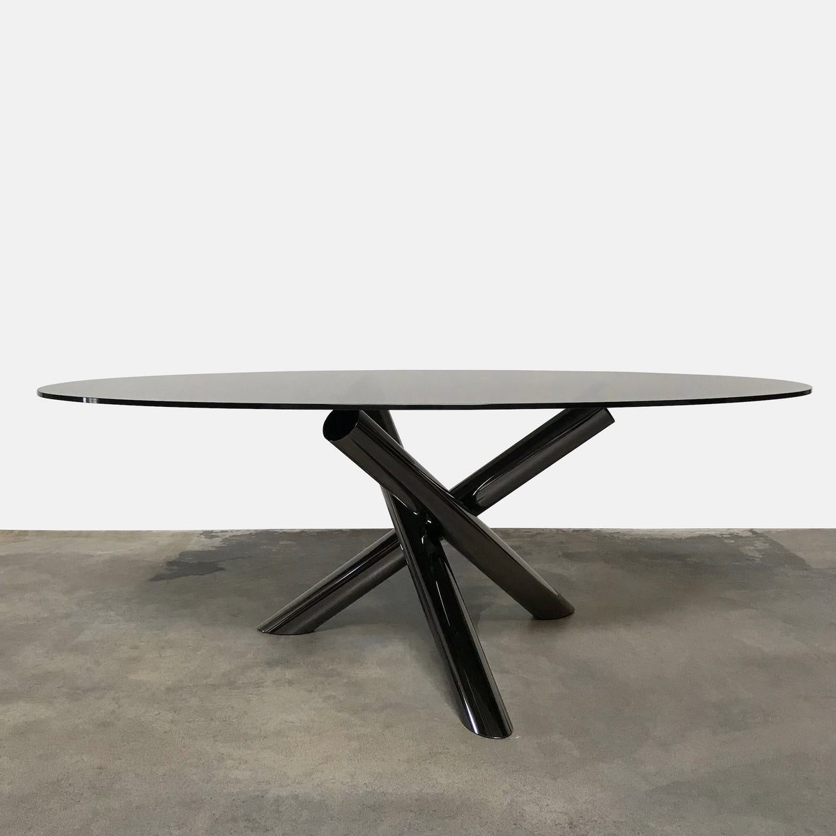 Minotti 'Van Dyck' Smoked Grey Glass Dining Table by Rodolfo Dordoni