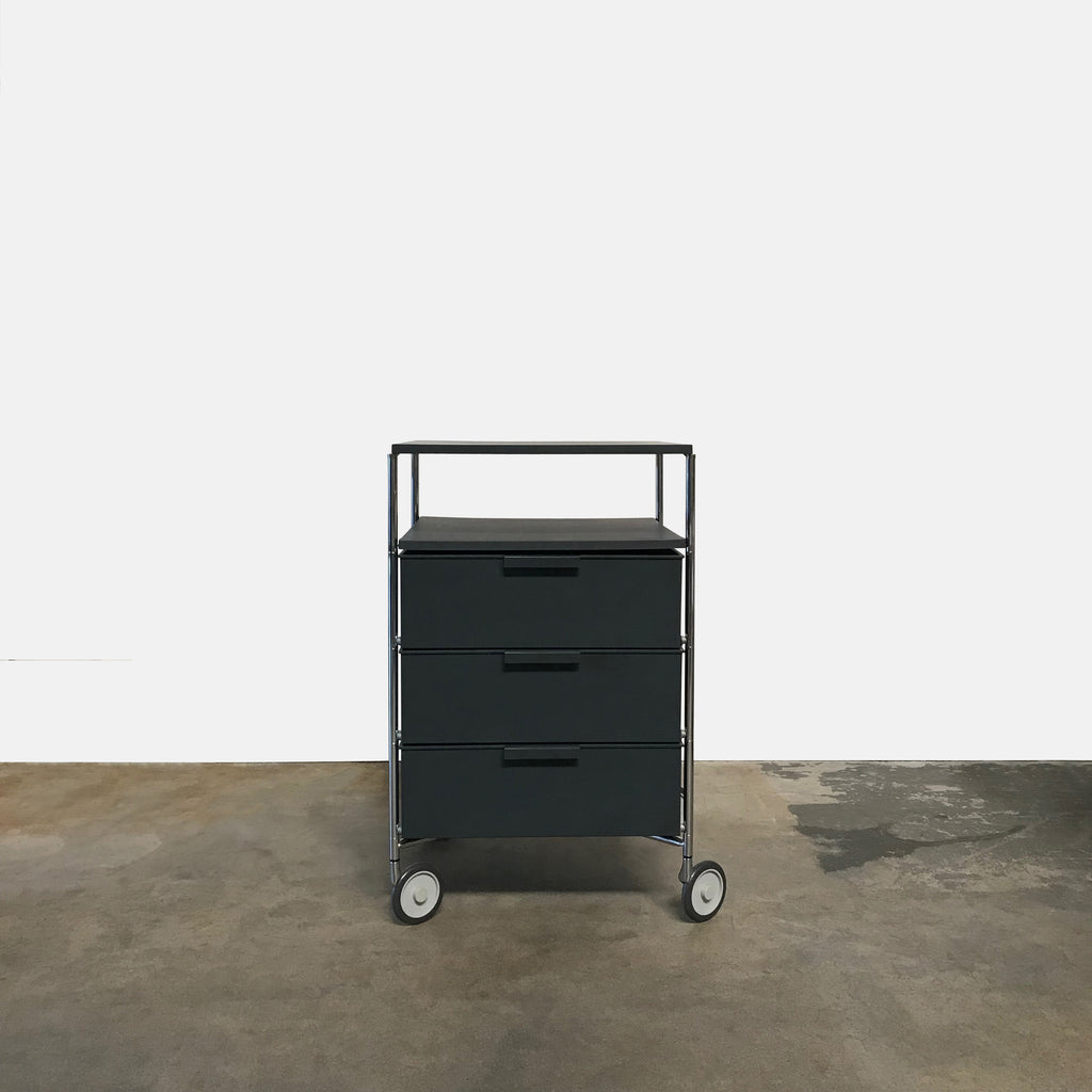 Mobil Cabinet with Shelf