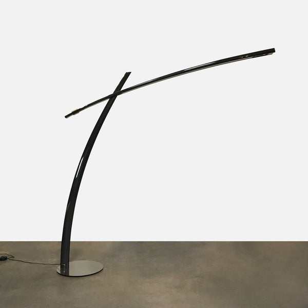 Leucos 'Katana' Black Fiberglass Floor Lamp (AS-IS) by Valerio Cometti & Paolo Balzanelli