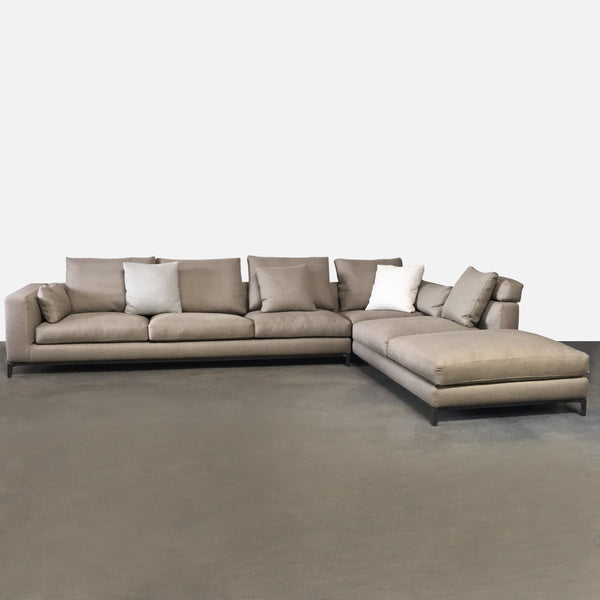 Minotti Neutral Fabric Andersen Sectional by Rodolfo Dordoni