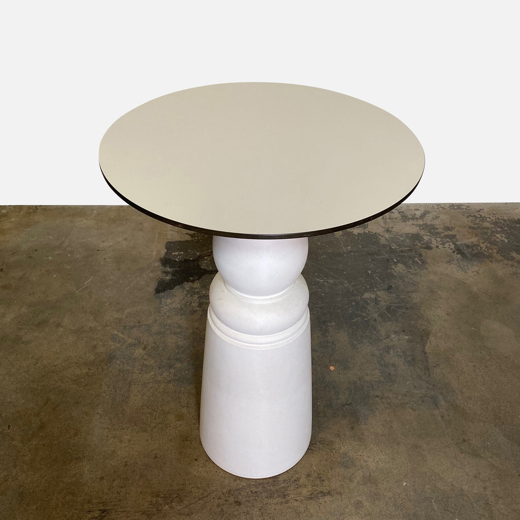 Moooi bar height container table - top view
