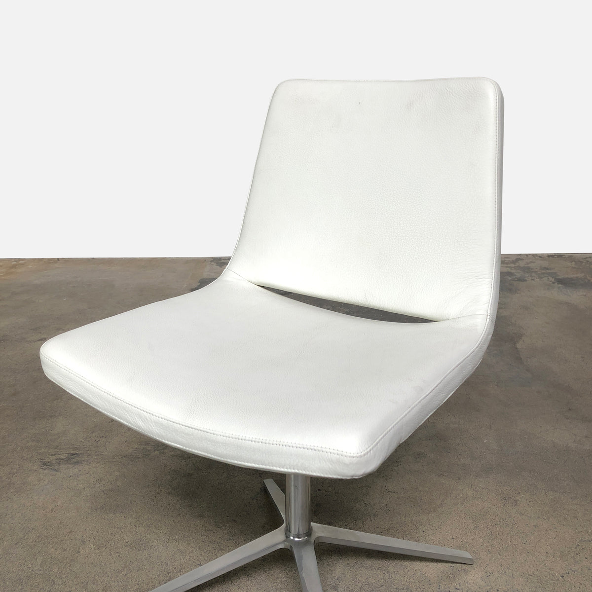 B&B Italia White Leather Metropolitan Dining Chairs | LA Consignment